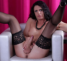 russian shemale lina cavalli in stockings